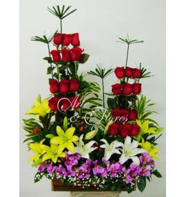 Arreglo Floral Rosas Y Lirios Cali Arte Y Flores Cali