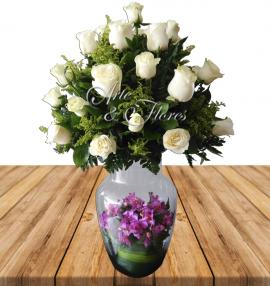 Flores Cali Rosas blancas y orquídeas