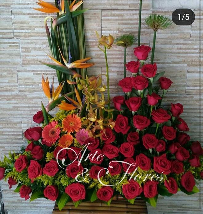 Arreglo Floral Con Rosas Rojas Arte Y Flores Cali