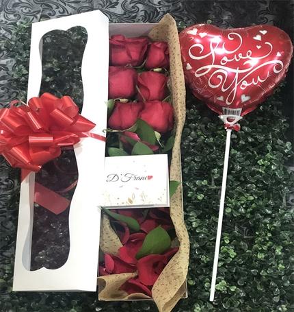 caja De rosas Cali con globo